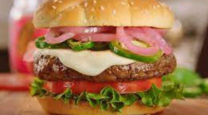 Polémica en Bolivia por un dedo humano hallado dentro de una hamburguesa
